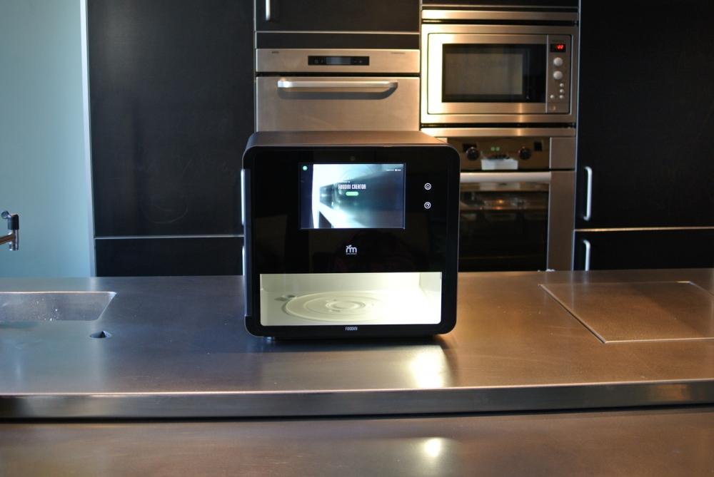 Hình ảnh tổng quan máy in 3D Foodini của Natural Machines